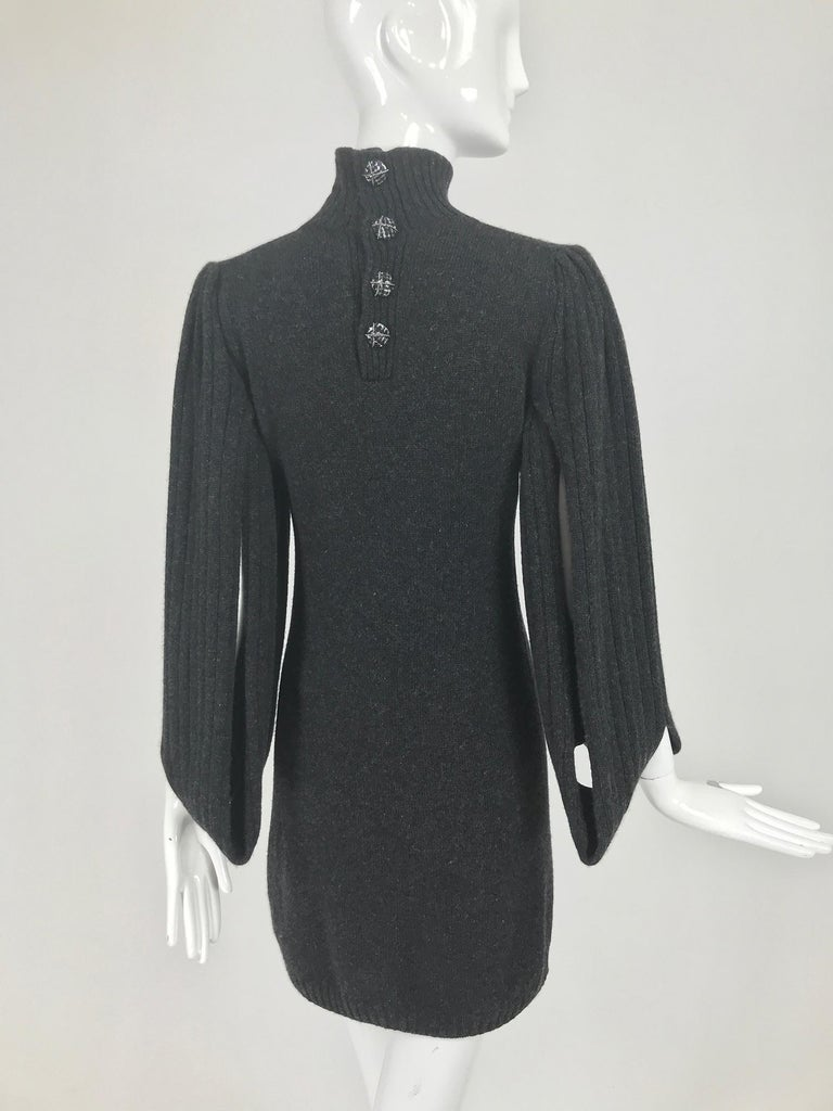 Chanel Charcoal Grey Cashmere Cage Sleeve Dress 2007a For Sale 2