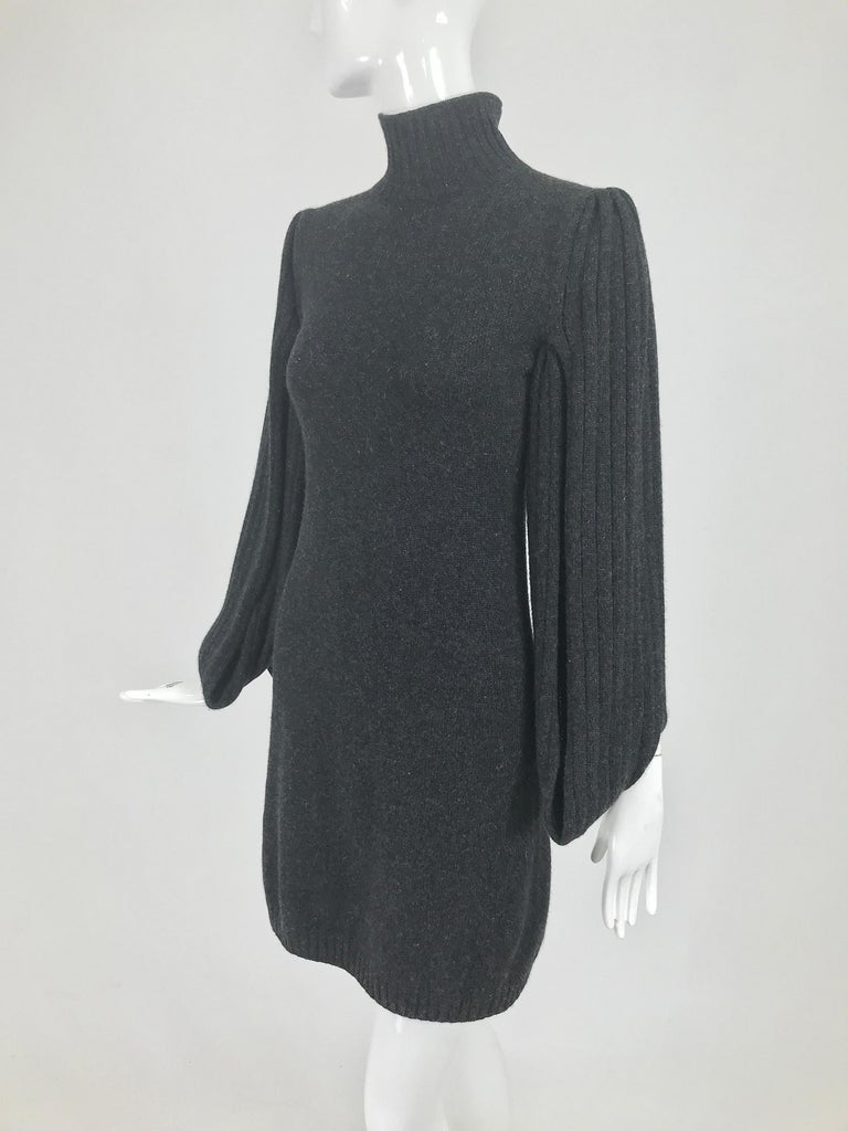 Chanel Charcoal Grey Cashmere Cage Sleeve Dress 2007a For Sale 4