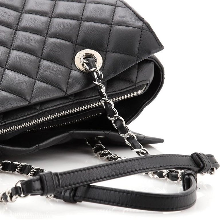 Chanel Chic and Soft Shopping Tote Quilted Calfskin Large For Sale 4