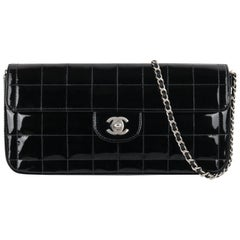 CHANEL 'Chocolate Bar' Black Patent Leather matte silver CC logo Shoulder Bag
