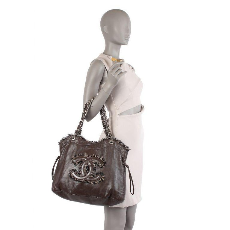 Chanel chocolate brown leather & BOUCLE LARGE SHOPPER Shoulder Bag For Sale 3
