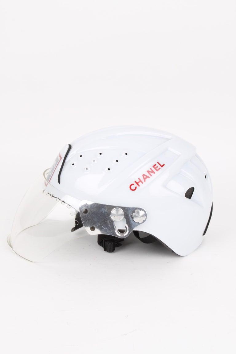 CHANEL circa 1990s Edition Sport Line CC Logo Mountain Climbing Helmet In Good Condition For Sale In Baarn, NL