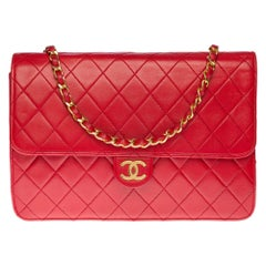 Chanel Classic 25cm shoulder bag in Red quilted lambskin and gold hardware