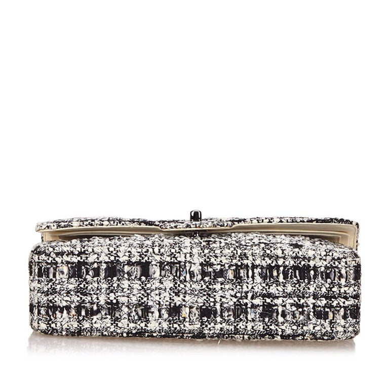 Chanel Classic Black White Grey Cotton Tweed Medium Double Flap Shoulder Bag In Excellent Condition For Sale In Sheung Wan, HK