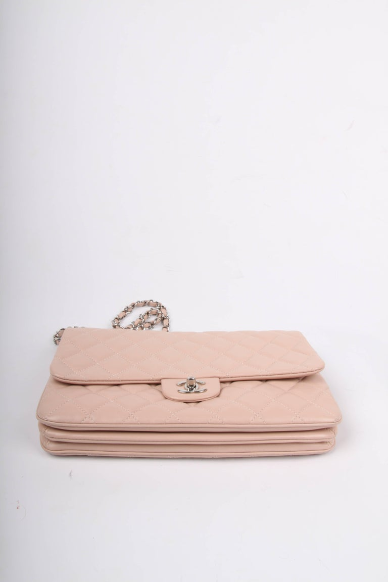 Women's Chanel Classic Flap Bag Jumbo 3 - dusty pink For Sale