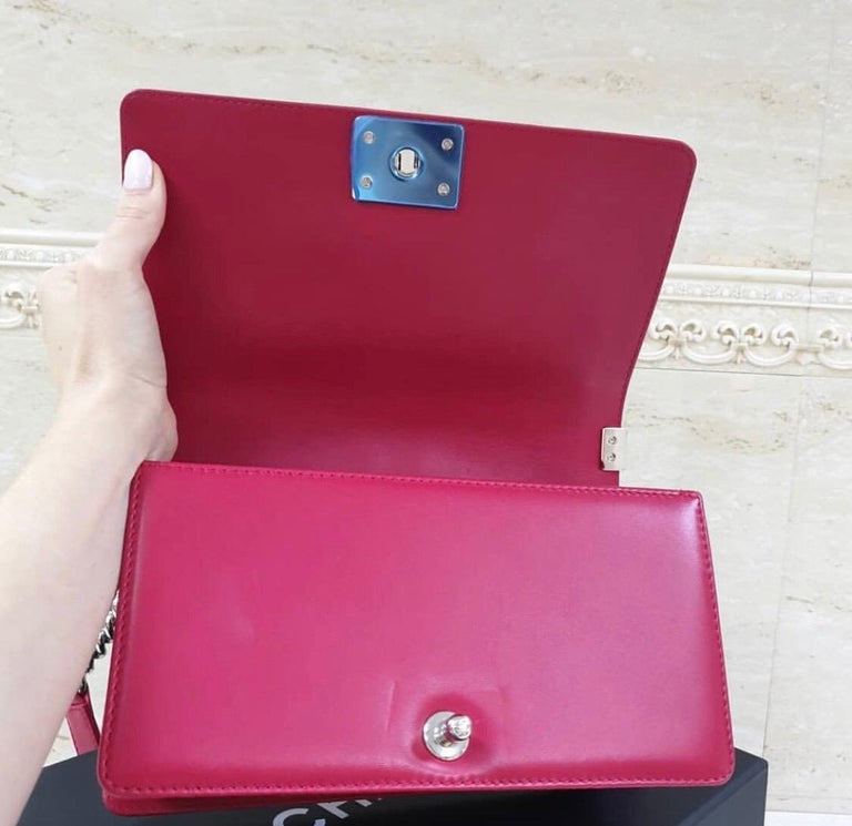 Chanel Classic Flap Boy Perforated Medium Red Leather  For Sale 4