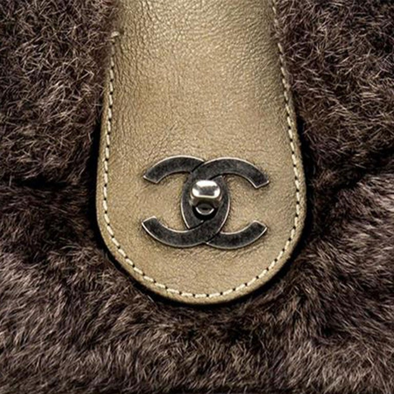 Chanel Classic Flap Brown and Beige Fur Deerskin Leather Shoulder Bag In Good Condition For Sale In Miami, FL