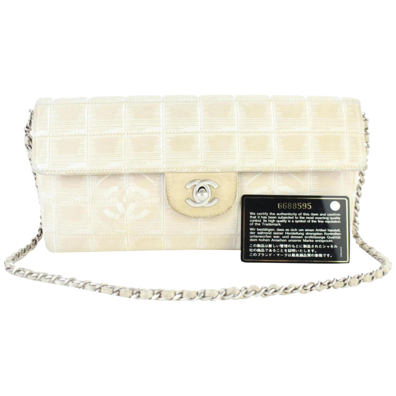 f56fb8900573 Beige Shoulder Bags - 749 For Sale at 1stdibs
