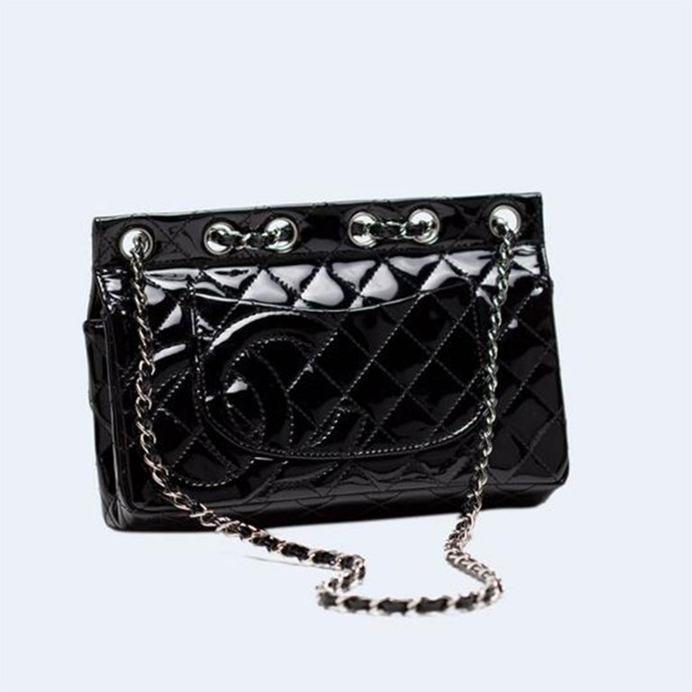 Chanel Classic Flap Supermodel Super Rare Quilted Black Patent Leather Bag For Sale 1