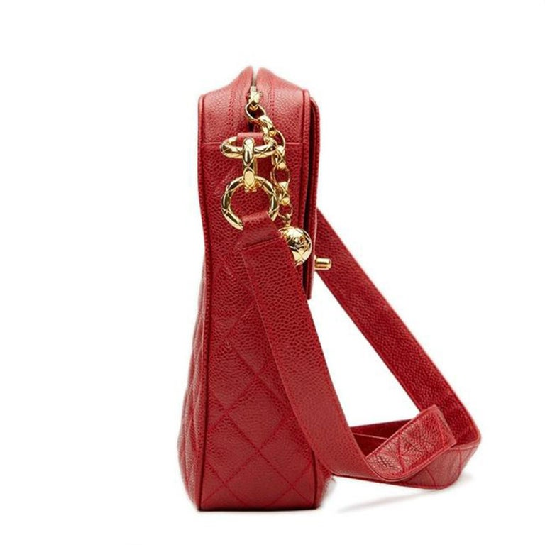 Chanel Classic Flap Vintage with Gold Hardware Red Caviar Leather Cross Body Bag For Sale 5