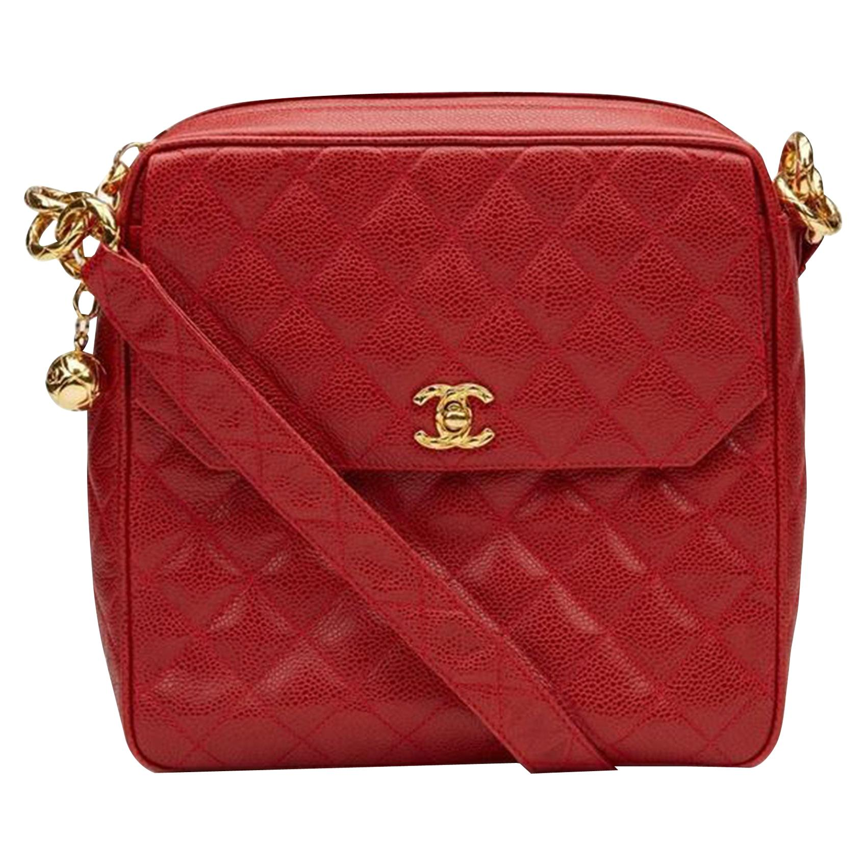 Chanel Classic Flap Vintage with Gold Hardware Red Caviar Leather Cross Body Bag
