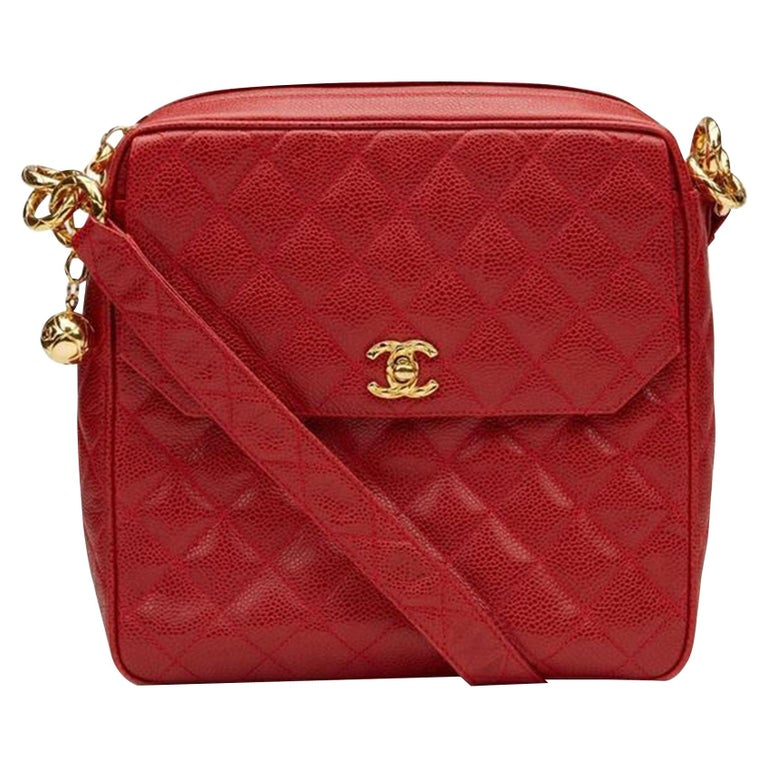 Chanel Classic Flap Vintage with Gold Hardware Red Caviar Leather Cross Body Bag For Sale
