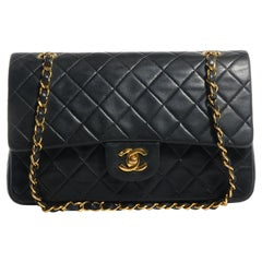 Chanel Classic iconic Medium Lambskin Vintage Flap bag black with Gold hardware