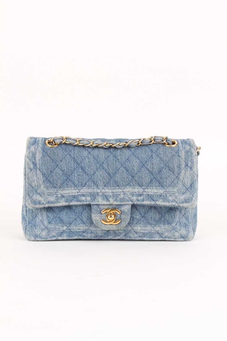 From 2017 Collection. Medium wash blue quilted denim Chanel Classic Medium Double Flap Bag with gold-tone hardware.   COLOR: Blue MATERIAL: Denim HARDWARE: Gold CONDITION: 9/10 COMES WITH: Dustbag MEASURES: H 25 CM, B 15 CM, D 6 CM. ORGIN: