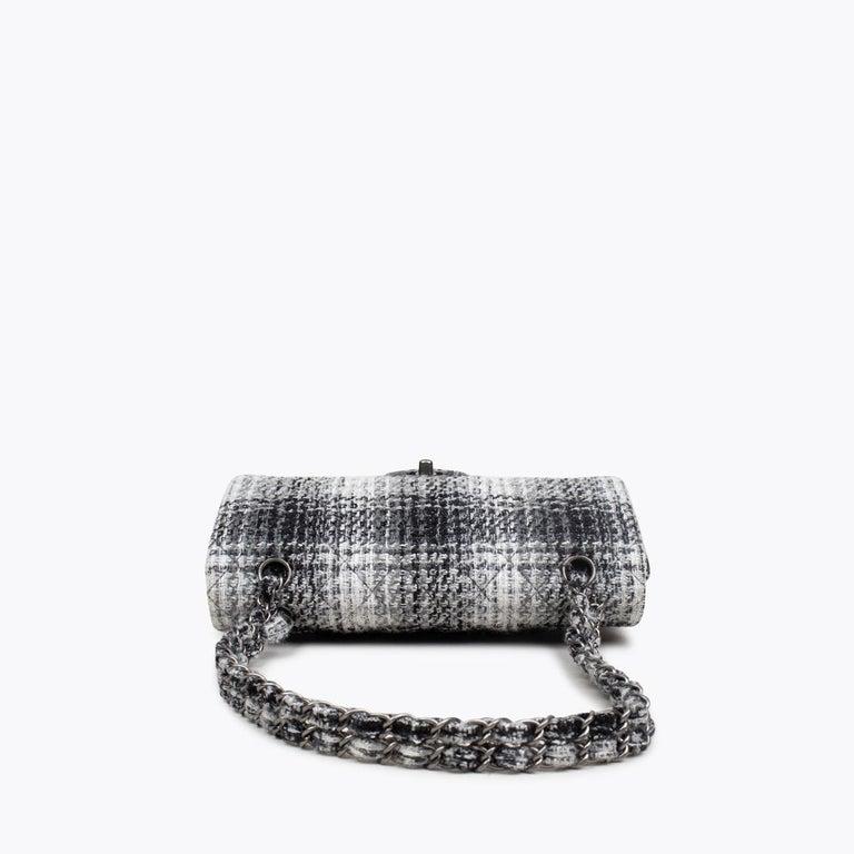 Women's Chanel Classic Medium Double Flap Bag For Sale