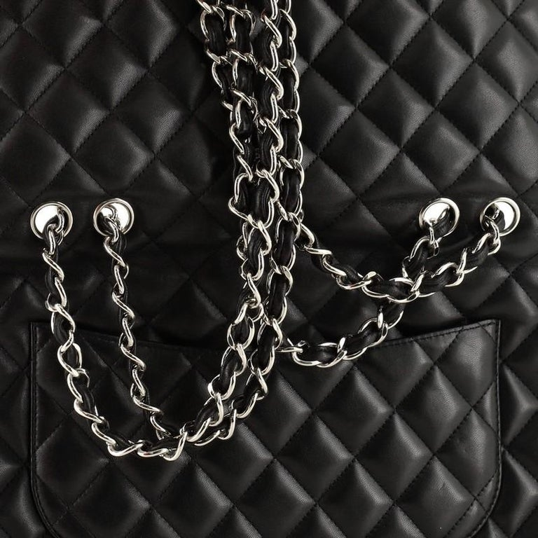 Chanel Classic Single Flap Bag Quilted Lambskin Jumbo For Sale 4