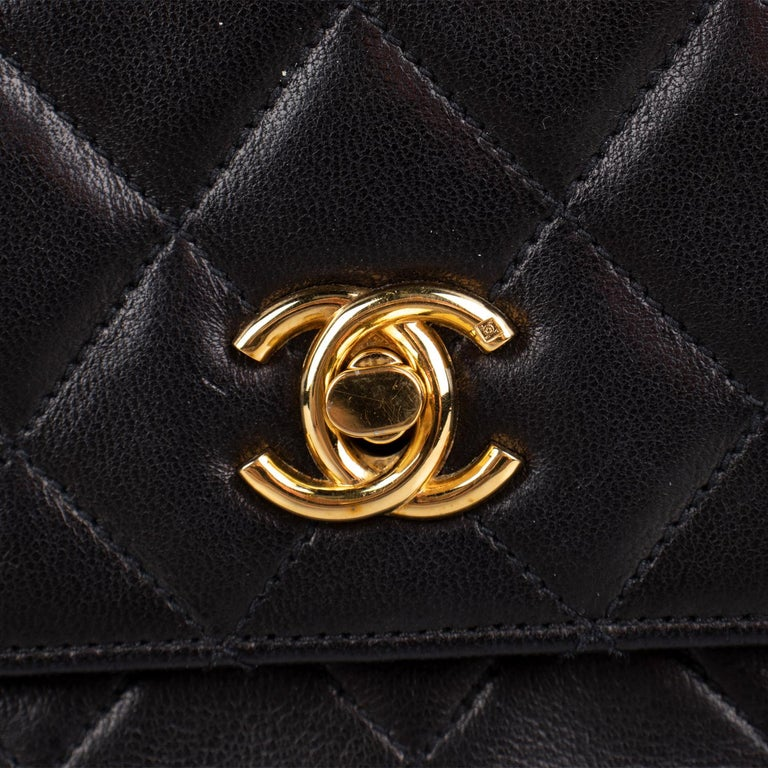 Chanel Classic Small Single Flap Crossbody Bag For Sale 6