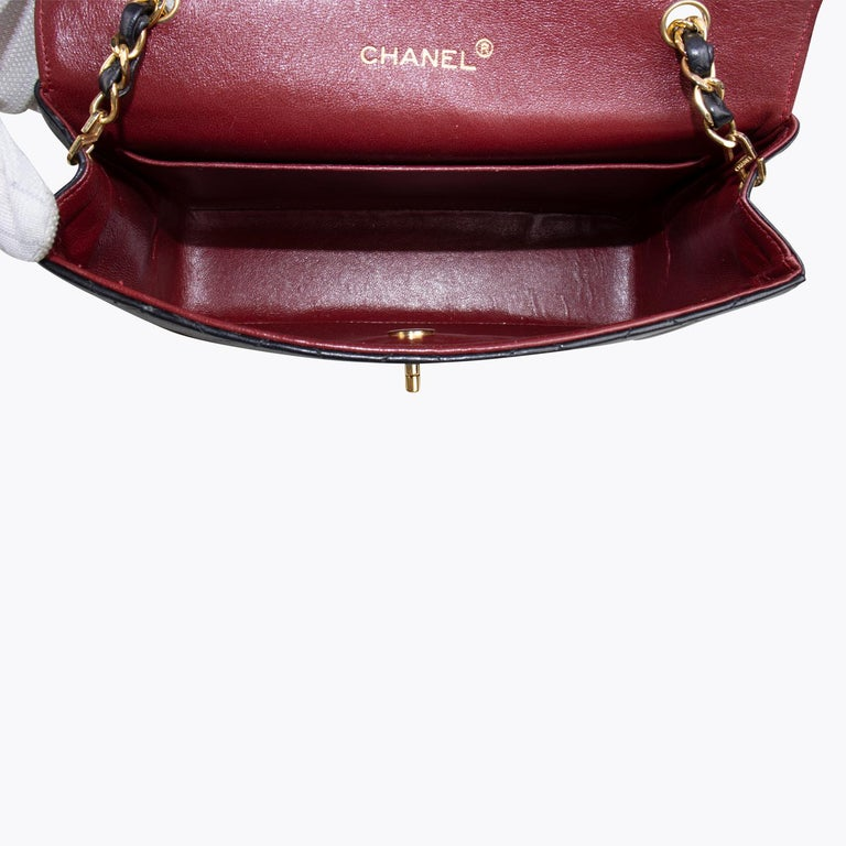Chanel Classic Small Single Flap Crossbody Bag For Sale 3