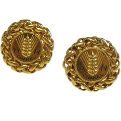 CHANEL Clip-on Round Earrings 'Ear of Wheat' in Gilded Metal
