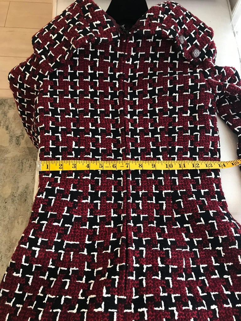 Chanel Cocktail Tweed Dress in Burgundy, Black and White New with tag For Sale 12