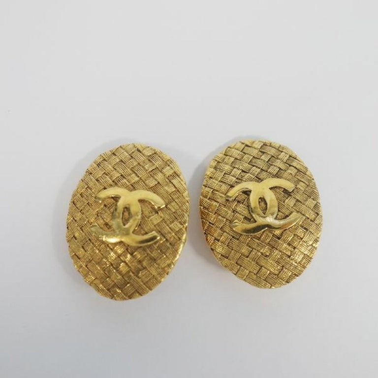 CHANEL coco mark circle oval GP Womens earrings gold In Good Condition For Sale In Takamatsu-shi, JP