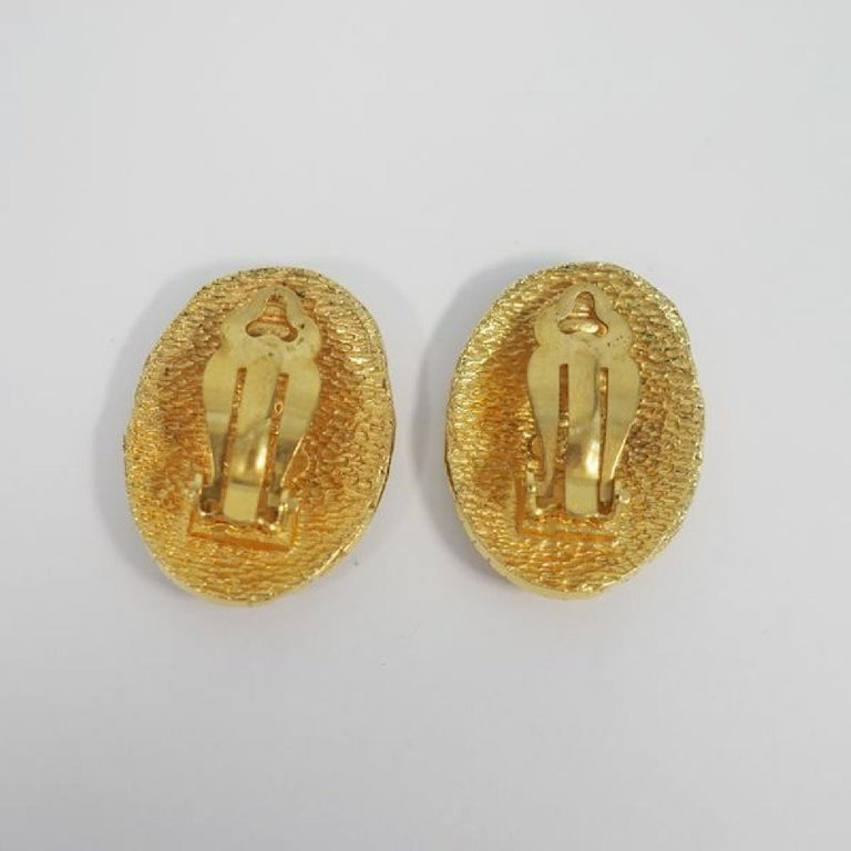 Women's CHANEL coco mark circle oval GP Womens earrings gold For Sale