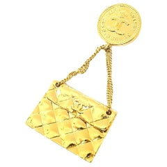CHANEL coco mark matelasse coin GP brooch gold