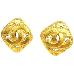 CHANEL coco mark rhombus GP Womens earrings gold