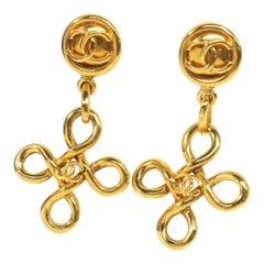 CHANEL coco mark Swing GP Womens earrings gold