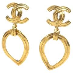 CHANEL coco mark Swing hoop GP Womens earrings gold