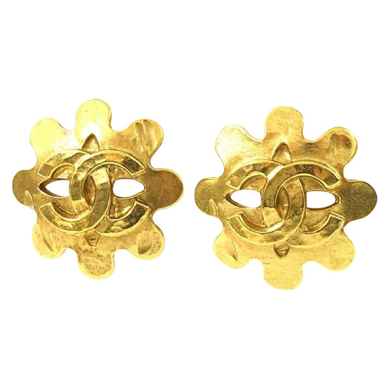 CHANEL coco mark Wave GP Womens earrings gold For Sale