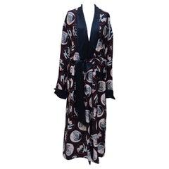 CHANEL Coco Print 2007 Runway Silk Robe   NEW  UNISEX