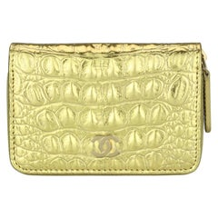 CHANEL Coin Purse Metallic Gold Crocodile Embossed with Gold Hardware 2019