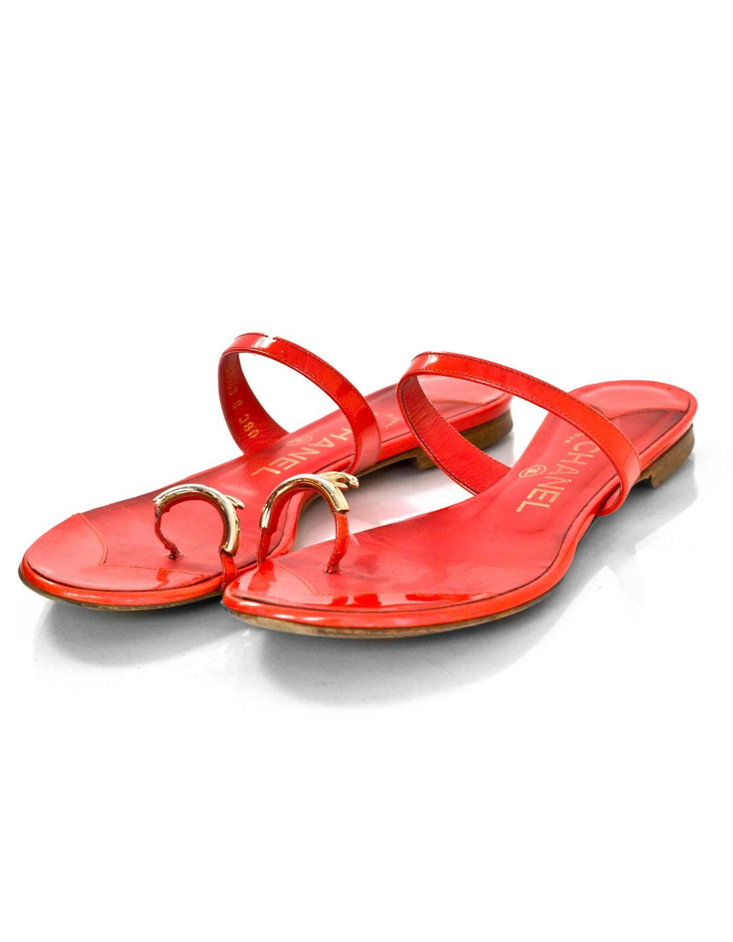 0e14c3694144 Chanel Coral Patent Leather CC Toe Sandals Sz 36 For Sale at 1stdibs