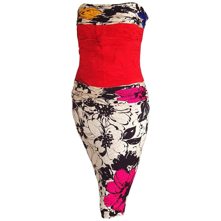 6ff8cc7bfb4 CHANEL Couture strapless colorful flowers designs Silk - Excellent  condition For Sale