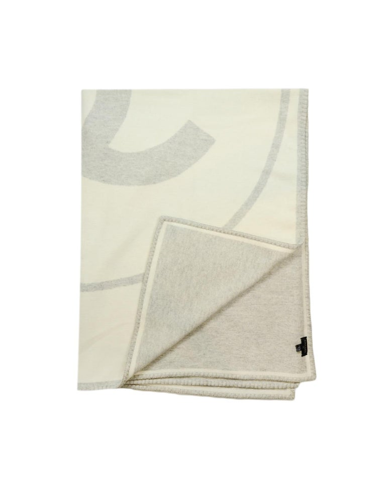 Chanel Cream/Grey Merino Wool & Cashmere CC Throw Blanket In Excellent Condition For Sale In New York, NY
