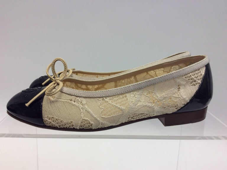 Chanel Cream Lace Flats $299 Made in Italy Size 35
