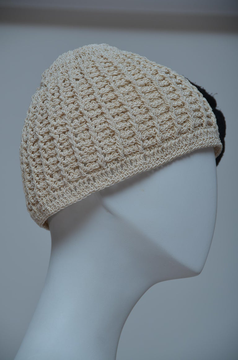CHANEL Crochet Camellia Hat Beanie With Black Camellia Flower   Mint  In Excellent Condition For Sale In New York, NY
