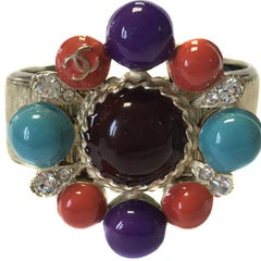 CHANEL Cuff Bracelet in Pale Gold Metal, Multicolored Resin Jewel and Brilliant
