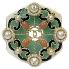 CHANEL Cuff Bracelet in White Resin, Gilt Metal, Pearls and Green Glass