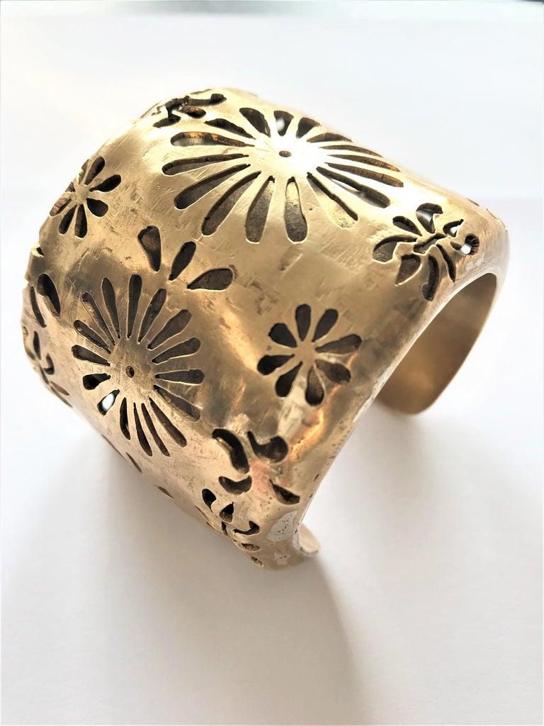 Chanel Cuff by Robert Goossens Paris 70/80s gold plated  In Good Condition In Stuttgart, DE