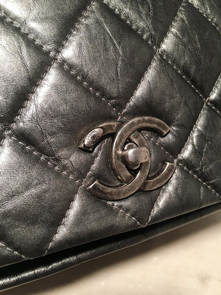 Chanel Dark Grey Metallic Distressed Quilted Accordion Flap Classic Shoulder Bag For Sale 2