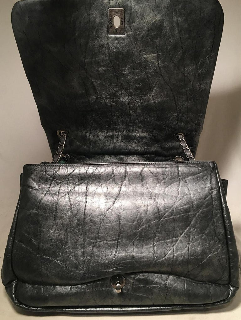 Chanel Dark Grey Metallic Distressed Quilted Accordion Flap Classic Shoulder Bag For Sale 3