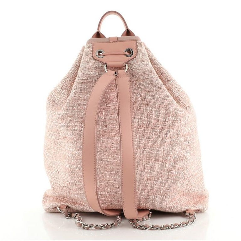 Chanel Deauville Backpack Raffia Large In Good Condition For Sale In New York, NY