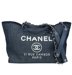0b388bbe5536 Vintage Chanel Tote Bags - 536 For Sale at 1stdibs