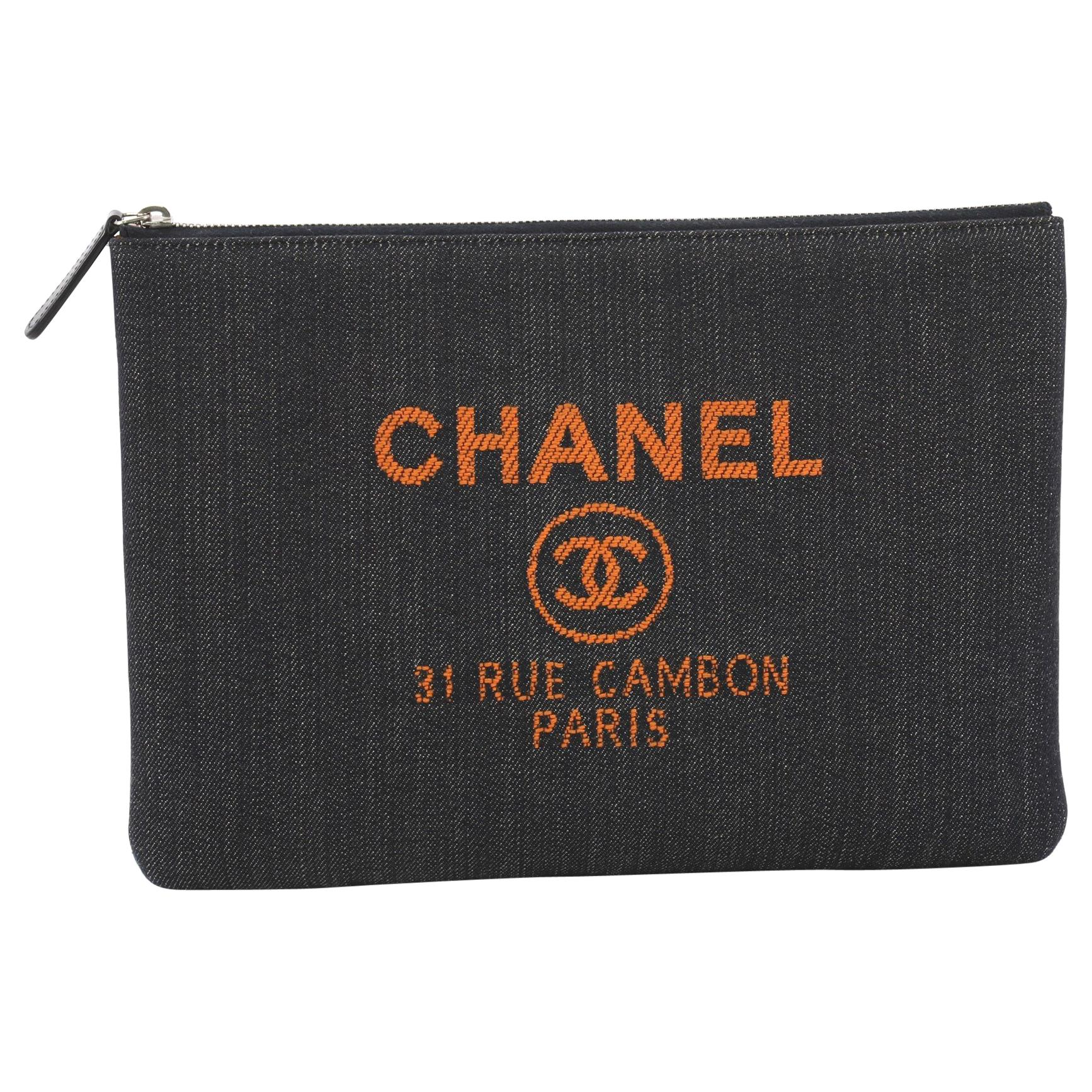 89ae2694f65a Vintage Chanel Clutches - 221 For Sale at 1stdibs