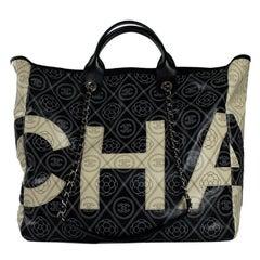 CHANEL Deauville Shoulder bag in Black Canvas