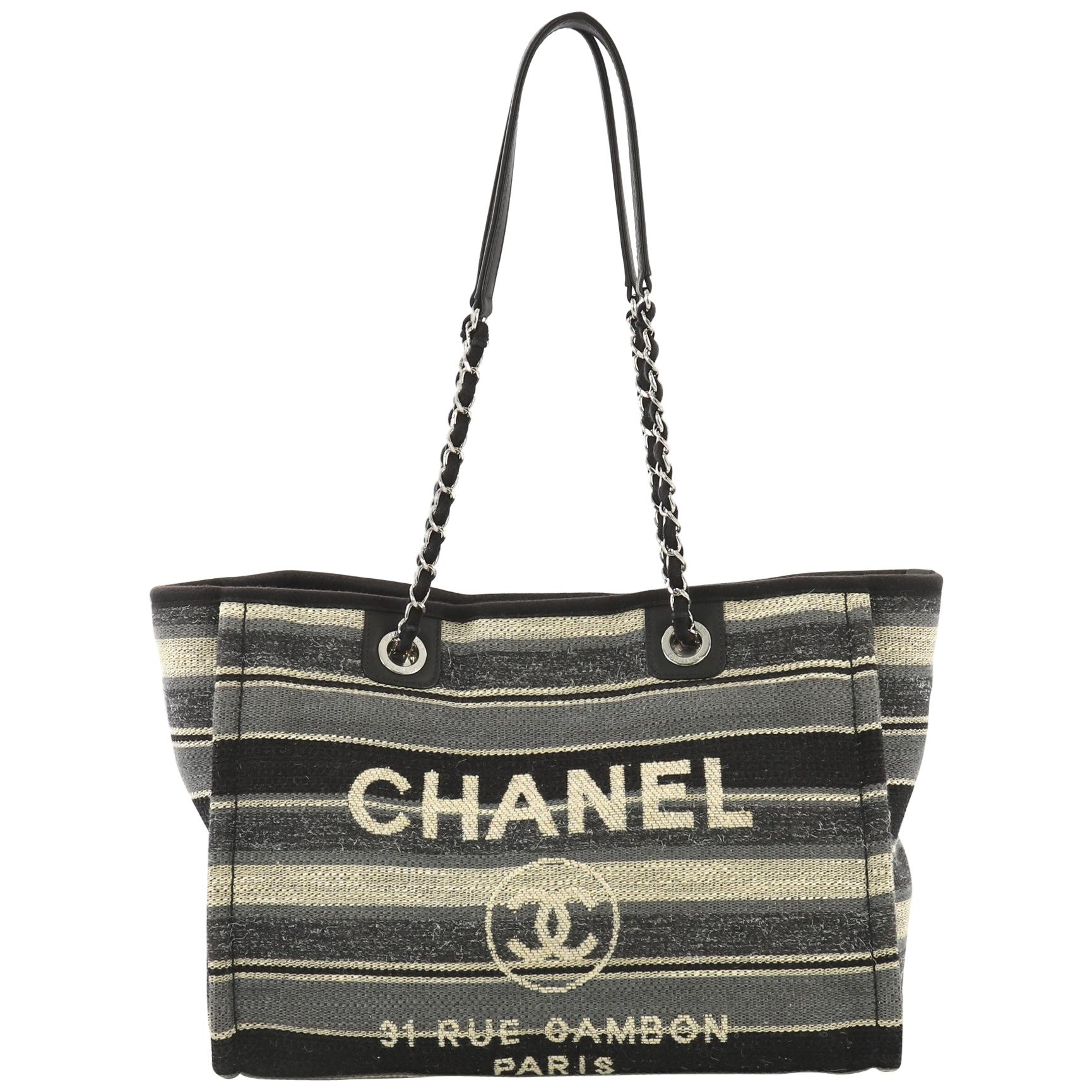 20f9d0310cf Small Tote Bags - 645 For Sale on 1stdibs