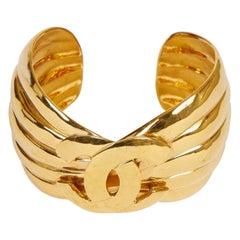 Chanel Deco 90s CC Ribbed Cuff Bracelet