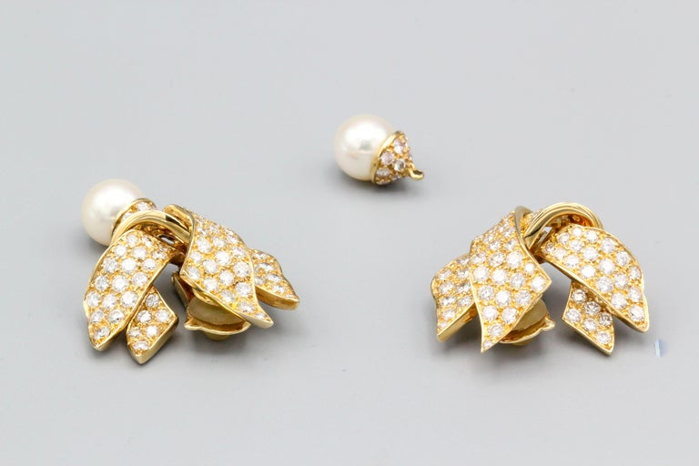 Chanel Diamond Pearl and 18 Karat Gold Day Night Earrings For Sale 1